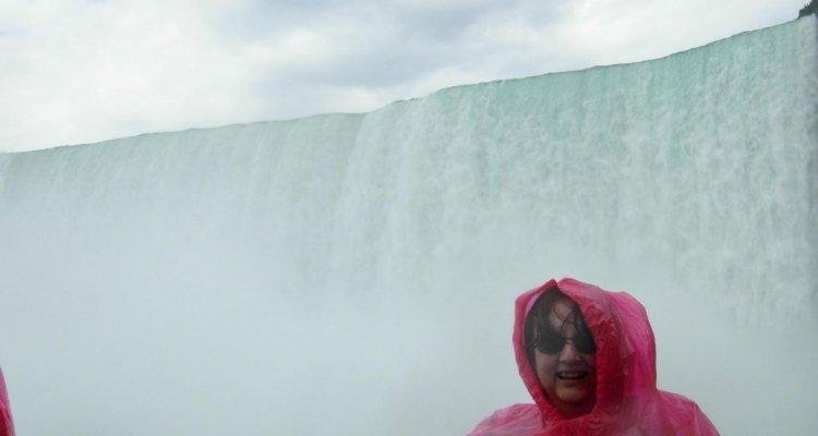 A Niagara Falls életleckéje a felületes ismeretekről és a különböző nézőpontokról